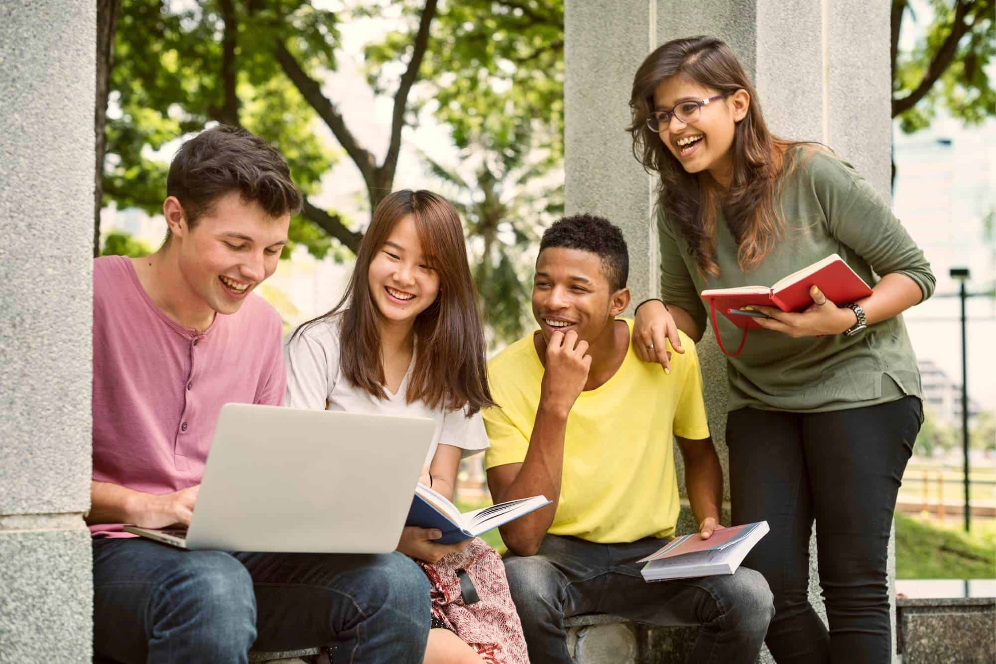 12th Grade Checklist: Everything You Need to Succeed
